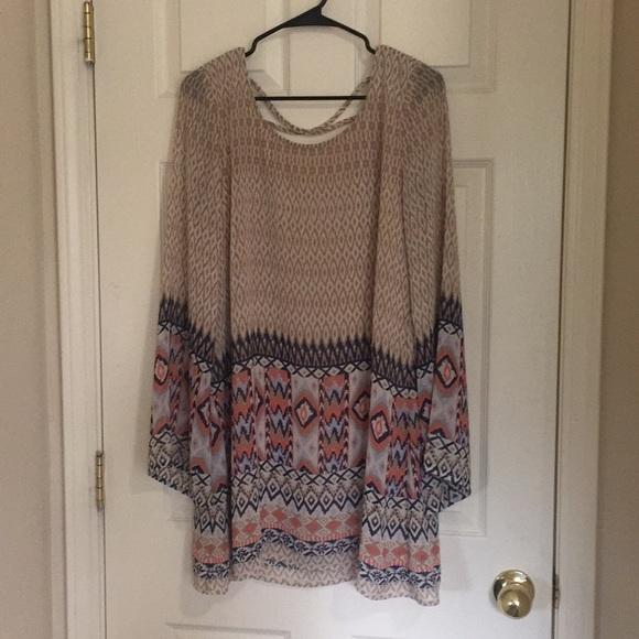 Blu Pepper Dresses & Skirts - Flowy long sleeved short dress